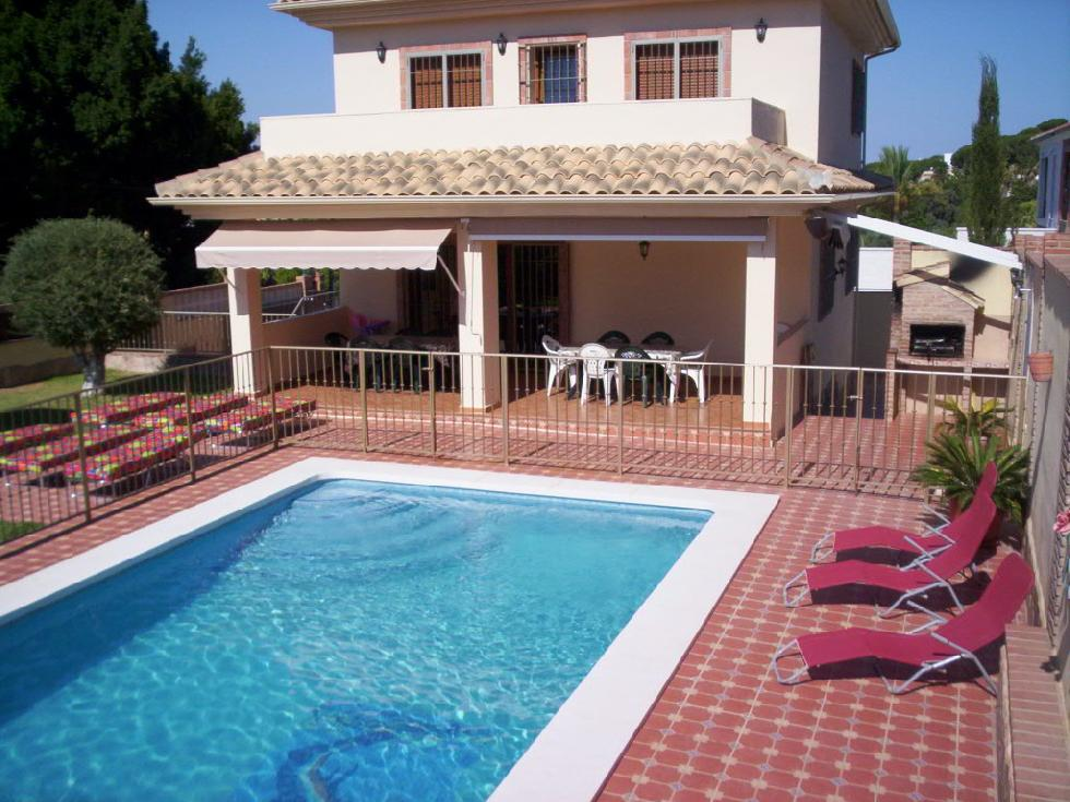 location andalousie avec piscine villa 2. Black Bedroom Furniture Sets. Home Design Ideas