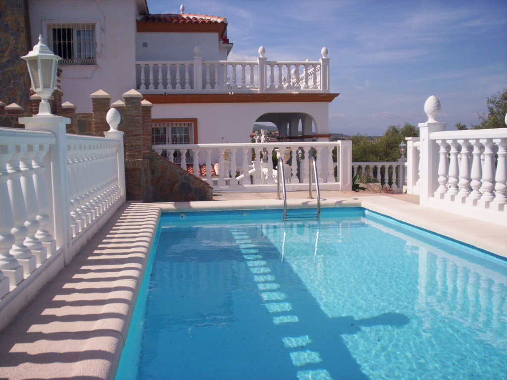 Villa en andalousie villa vendre almunecar andalousie for Jardin 300m2
